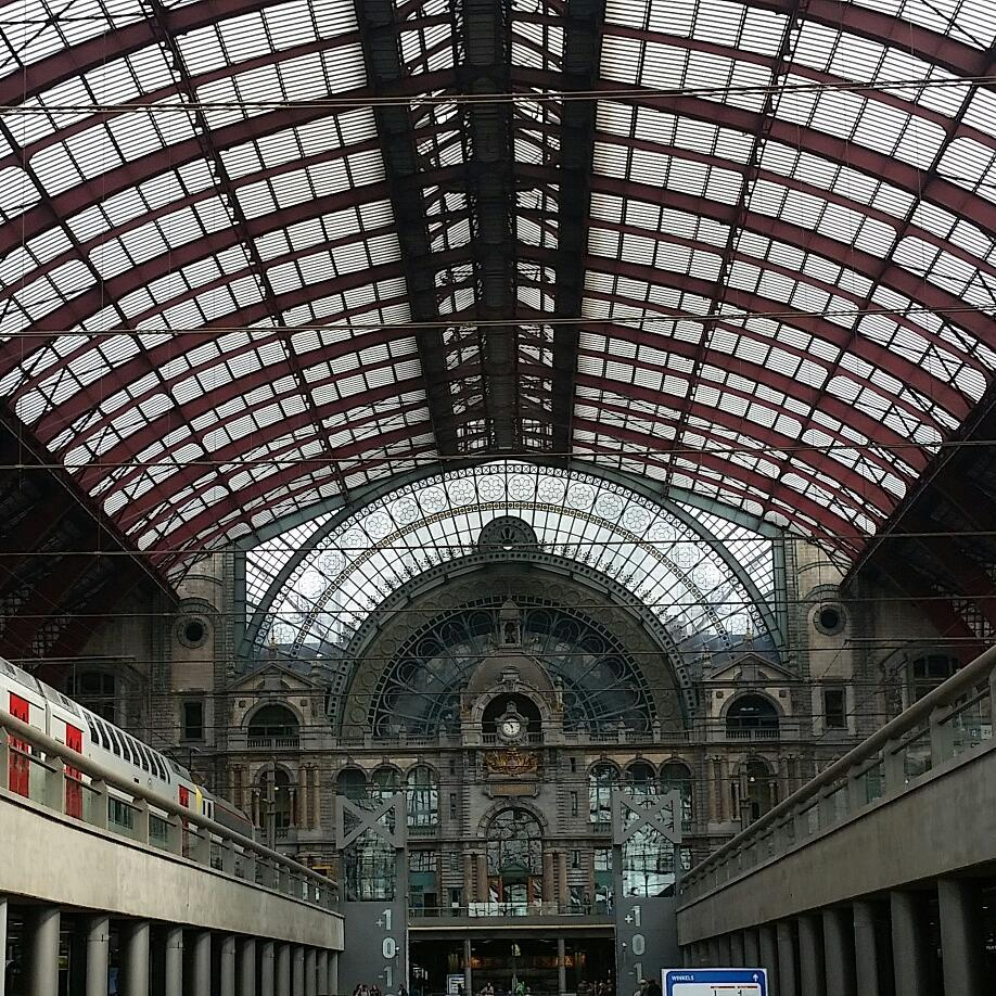 Antwerp train station, with modern and old elements