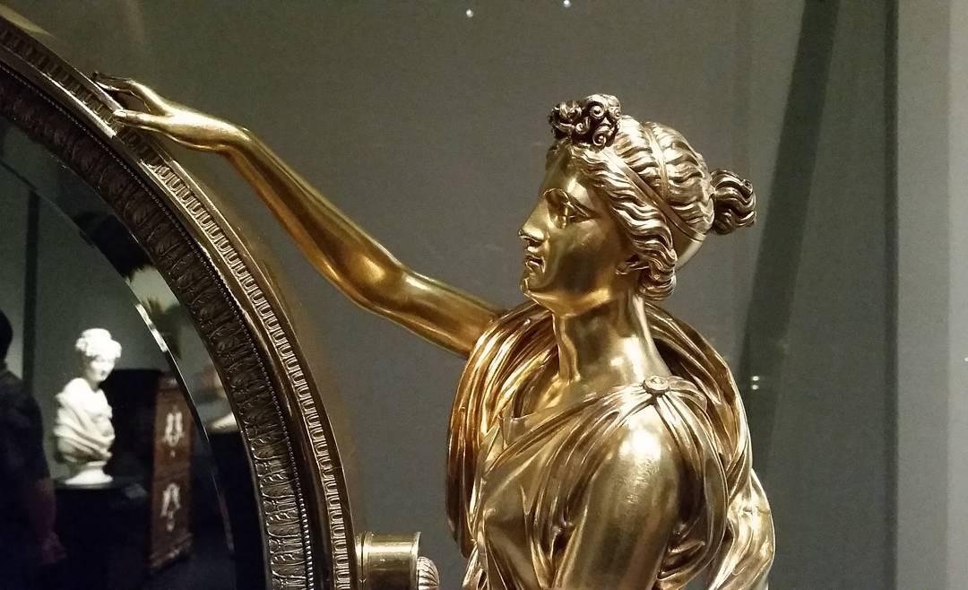 gold figure